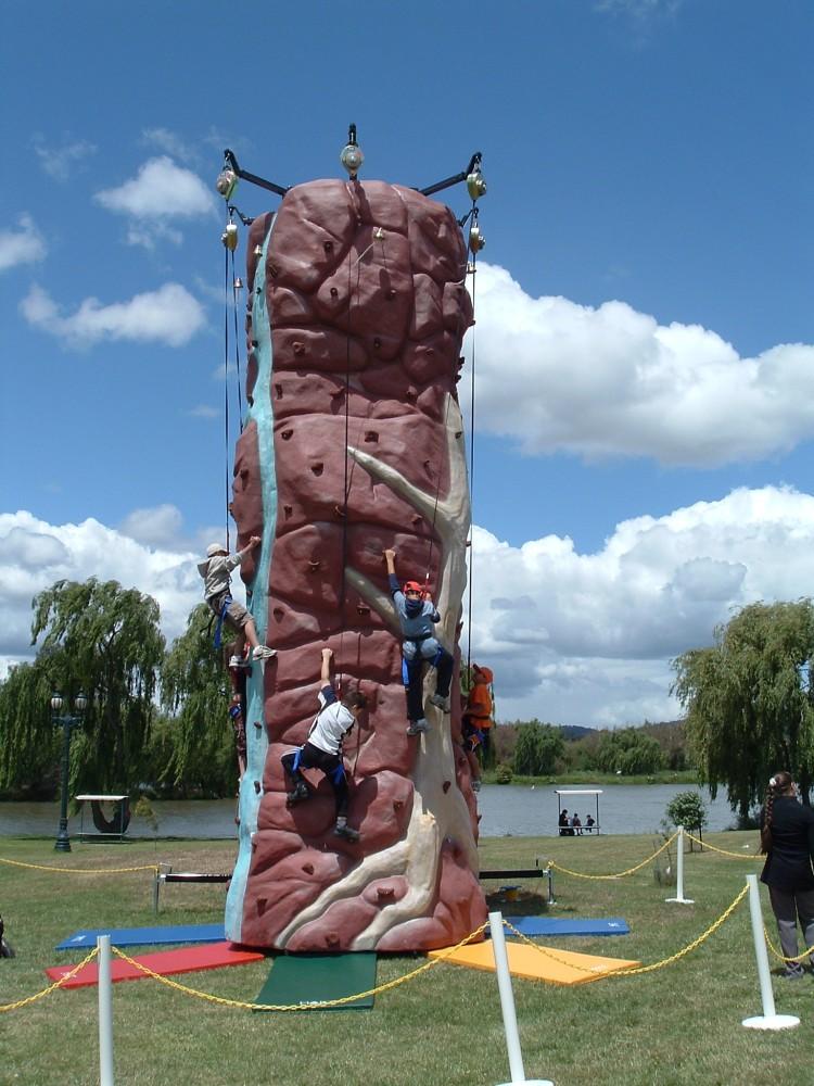 Rockup 5 Climber Rockwall Image