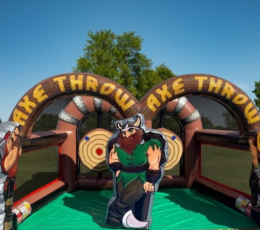 axe-throwing-inflatable-recordahit-510x510